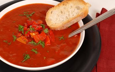 Gazpacho Andaluz - Kalte spanische Gemüsesuppe