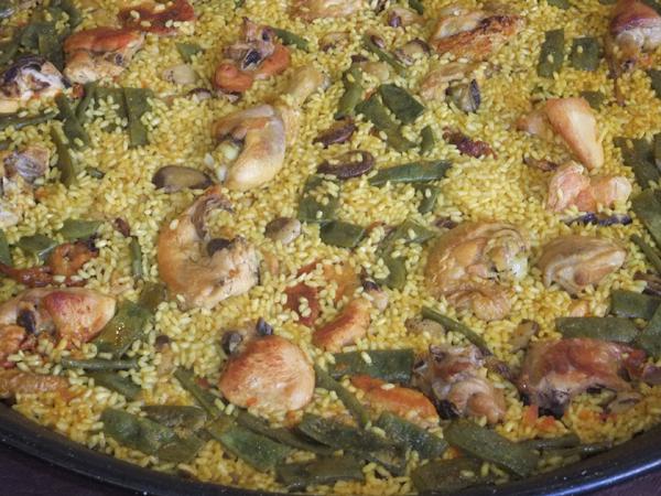 Eine authentische Paella aus Valencia - Guten Appetit!