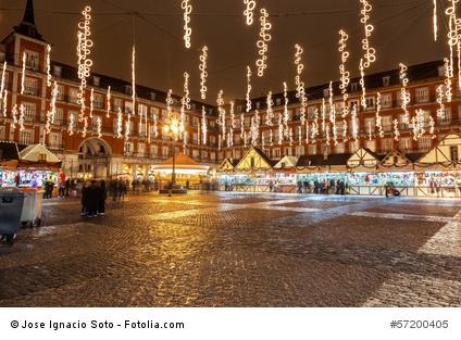 Weihnachtliche Stimmung auf der Plaza Mayor in Madrid